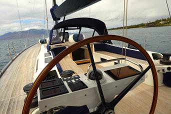 solaris-charter-sailboat-maui